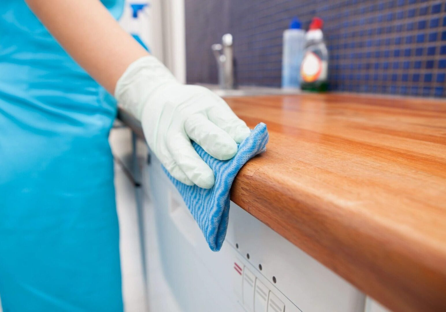 KITCHEN<br>CLEANING SERVICES